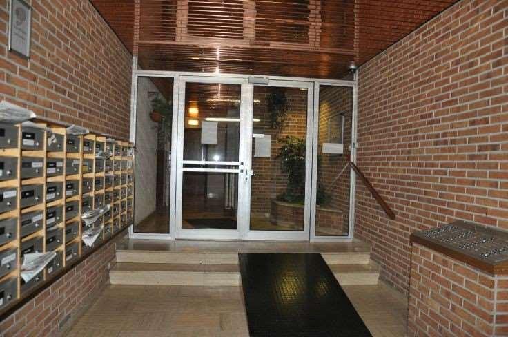 1. Hall entrée NIVELLES